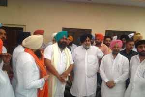Sikh leader Malkit singh Padda along with his supporters joins SAD.