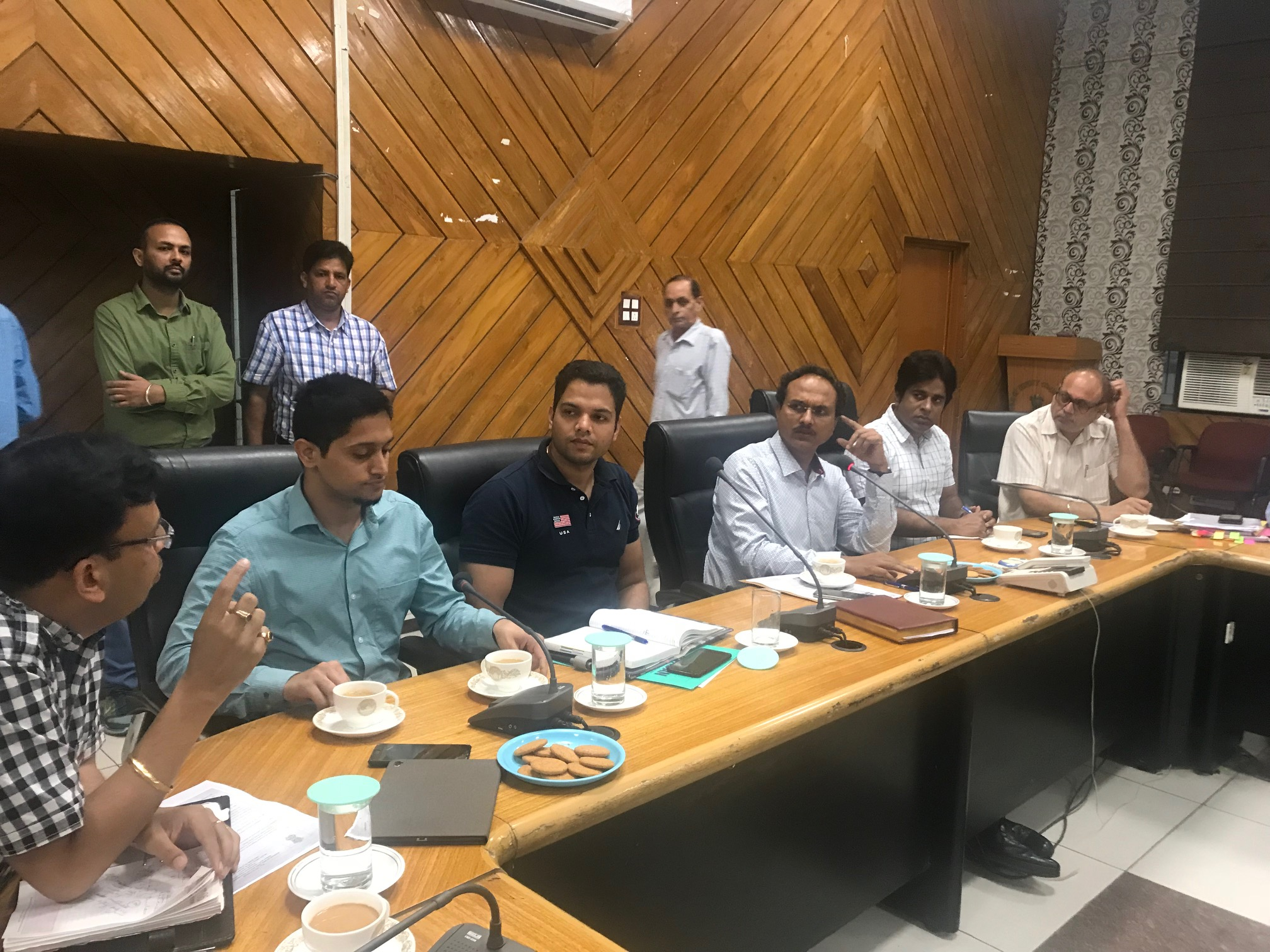 DC asks SDMs and procurement agencies to expedite process of procurement and lifting of paddy in mandis