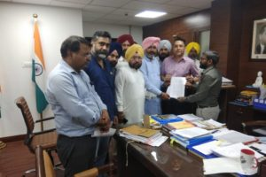 AAP delegation meets CEO on the transfer of Kanwar Vijay Partap Singh
