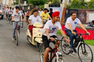 Commissioner, Deputy Commissioner, GoG Chief jointly flagged off Cycle Rally