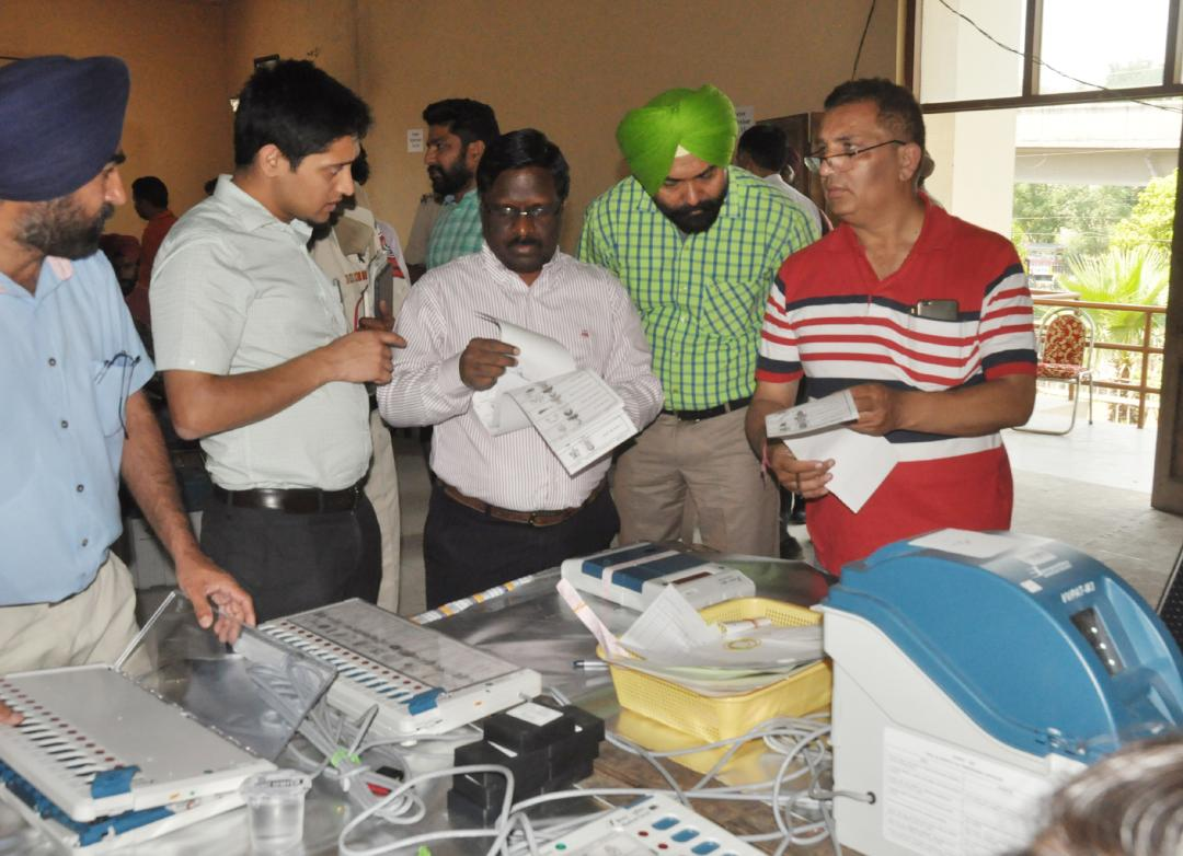 GENERAL OBSERVER AND ADEO REVIEW WORK OF PREPARATIONS OF EVMs FOR ENSUING GENERAL ELECTIONS