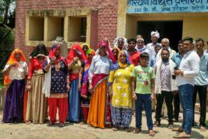 बिजली कट से परेशान ढाणी बिहाली के लोगों ने किया विरोध प्रदर्शन