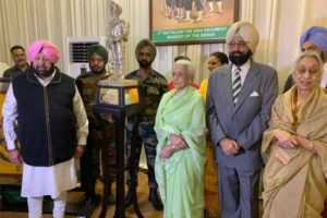 Capt. Amarinder hosts 2 Sikh to mark 100 years of Patiala Family's association with the regiment