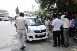 यातायात नियमों की अवहेलना पर काटे चालान