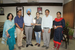 Isha Rawal of Lyallpur Khalsa College gets admission in IISER Bhopal.