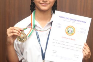BhavyaKapoor of Innocent Hearts Achieved Gold medal in District Level Rifle Shooting Competition