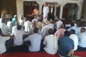 अर्धनग्न प्रदर्शन आज, किसान नेताओं ने किया गांवों का दौरा