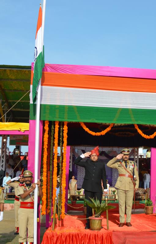 Patriotic zeal marks Independence Day celebrations at Kathua