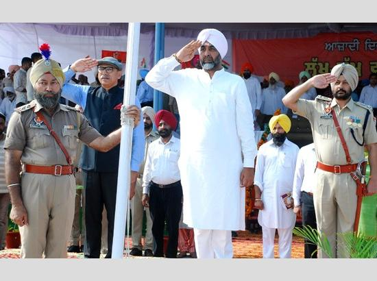 FM Manpreet Singh Badal hoists National Flag on 73rd Independence Day at Moga