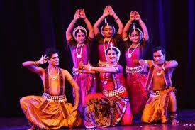 भारत संस्कृति यात्रा कार्यक्रम में दिखी कत्थक व ओड़िसी नृत्य की झलक, कलाकारों ने बटौरी तालियां