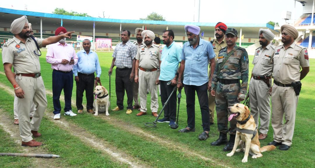 ANTI-SABOTAGE ANDDOGSQUADTEAMS PUT INTO ACTION AHEAD OF STATE LEVEL I-DAY FUNCTION
