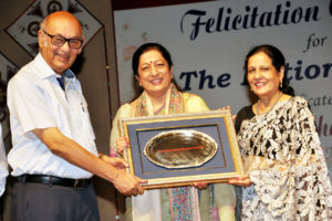 Prof.(Dr.) Atima Sharma Dwivedi Principal KMV Honoured on the Occasion of Teachers Day