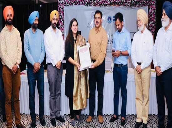 'Lawrence Global School's Principal honoured with 'Admiration Award'