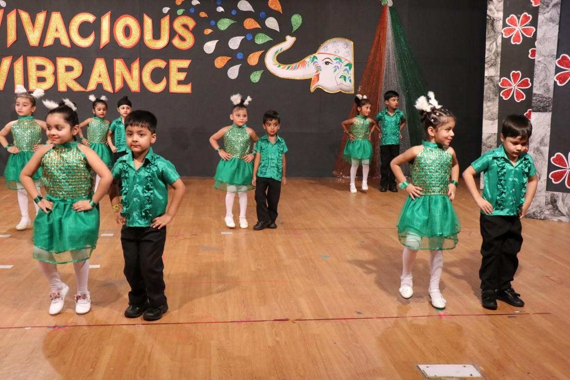 """Tiny Tots of INNOKIDS of Innocent HeartsExtended Patriotic Fervourwith the message of Swachta in """"VivaciousVibrance"""""""