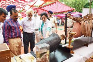 Institutes of National Repute showcased their technology at Vet Varsity Mela