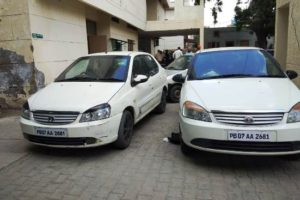 Prisoner on bail arrested using two cars alongwith his friend with same number plate