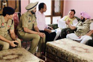 मुख्य मंत्री की तरफ से आधिकारियों को धान की खरीद और उठवाई साथ साथ किसानों को अदायगी की हदायतां