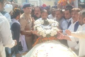 DC, SSP Ferozepur attend cremation of Kamal Sharma, lay wreaths on behalf of Punjab Governor