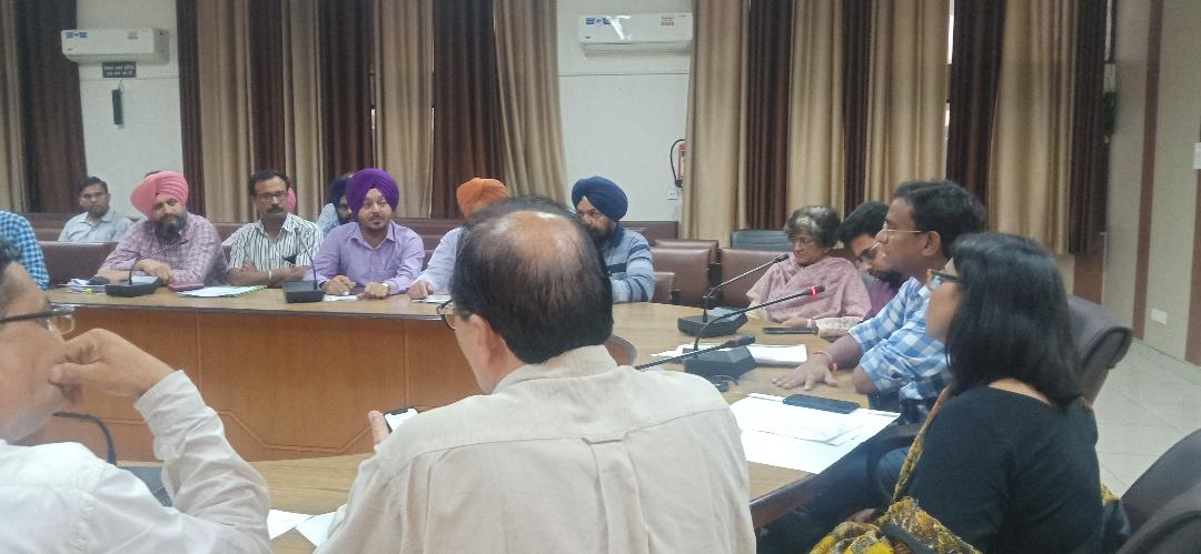 ALL GOVT DEPARTMENTS DIRECTED TO WORK IN TANDEM TO COMBAT DENGUE & OTHER VECTOR BORNE DISEASES