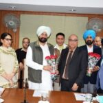 Punjab Chemists Association submit memorandum to Health Minister, demands changes in new drug policy