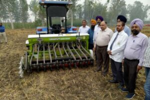 DIRECTOR AGRICULTURE APPRISES FARMERS ABOUT INSITU MANAGEMENT OF PADDY STUBBLE