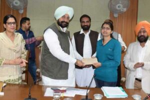 Health Minister Balbir Singh Sidhu hands over Appointment Letters to 74 Medical Lab Technicians
