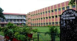 200 attend writing workshop at SD College