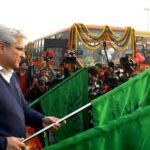 Delhi Transport Minister,  Kailash Gehlot flags off 100 new semi low floor buses