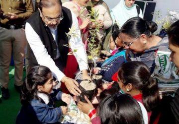 151 नवजन्मी बच्चियों के सम्मान में जिला प्रशासन की तरफ से आयोजित जिला स्तरीय लोहड़ी कार्यक्रम में डिप्टी कमिश्नर ने किया ऐलान