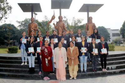 Students of HMV Collegiate Sr. Sec School outshined in International English Olympiad