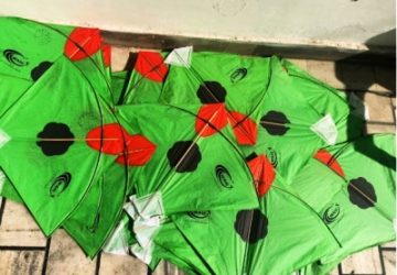 WAIC distributes kites to children with message 'Say No to Chinese Thread'