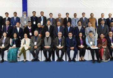 PM Prime Minister Narendra Modi in a group photograph with the Economists and Experts, at NITI Aayog