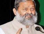 कड़ाके की ठंड में विज ने सुनी प्रदेश के विभिन्न क्षेत्रों से आए लोगों की समस्याएं