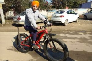 Ferozepur youth designed eye-catching cycle to give message to reduce pollution in air