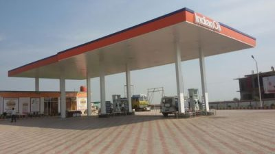 Distt Administration opens 29 Petrol Pumps in District amidst Curfew
