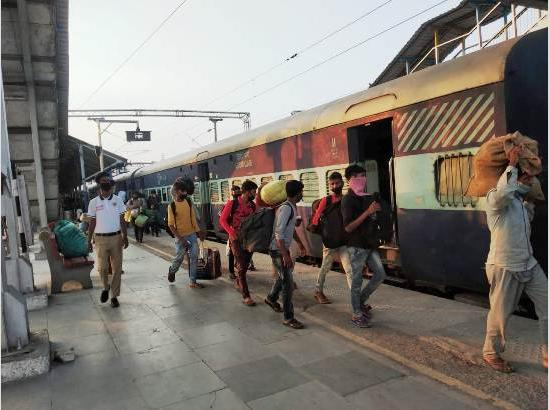 350th Shramik Express train moves from Ludhiana for Bihar with 1,600 migrants