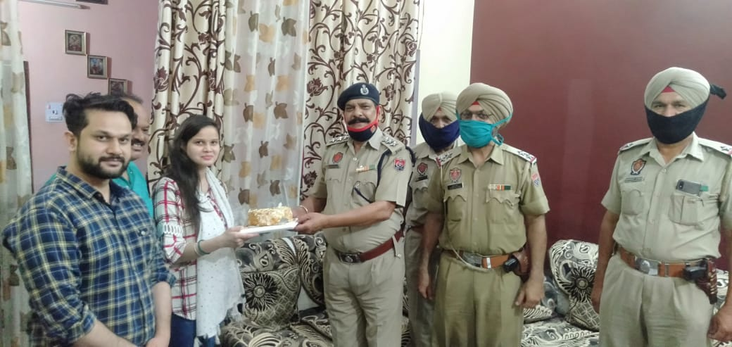 Ferozepur police facilitate a guy to celebrate his fiancé's birthday