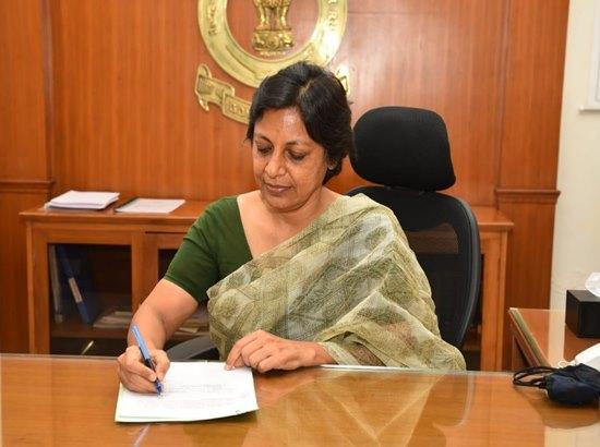Punjab's First Woman Chief Secretary Vini Mahajan takes over