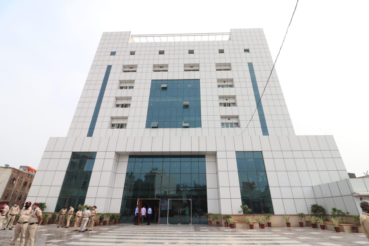 CM Arvind Kejriwal inaugurates 450-bedded hospital in Burari